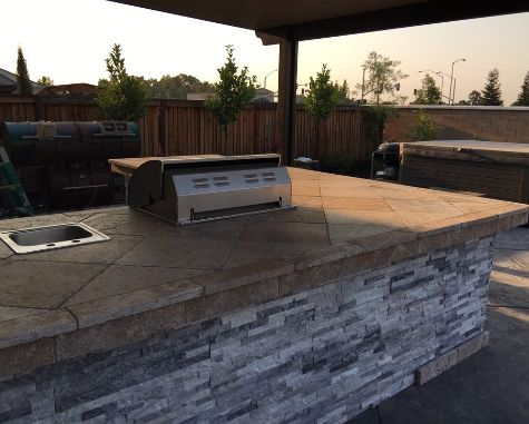 this image shows the outdoor countertop kitchenette aliso viejo