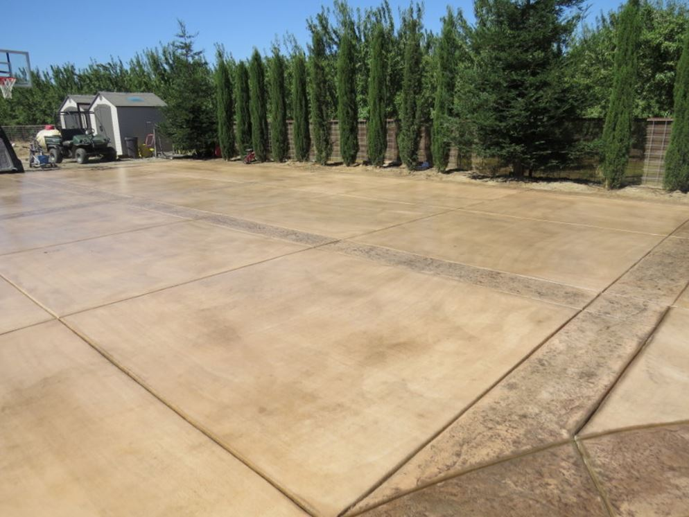 an image of concrete driveway in Aliso Viejo