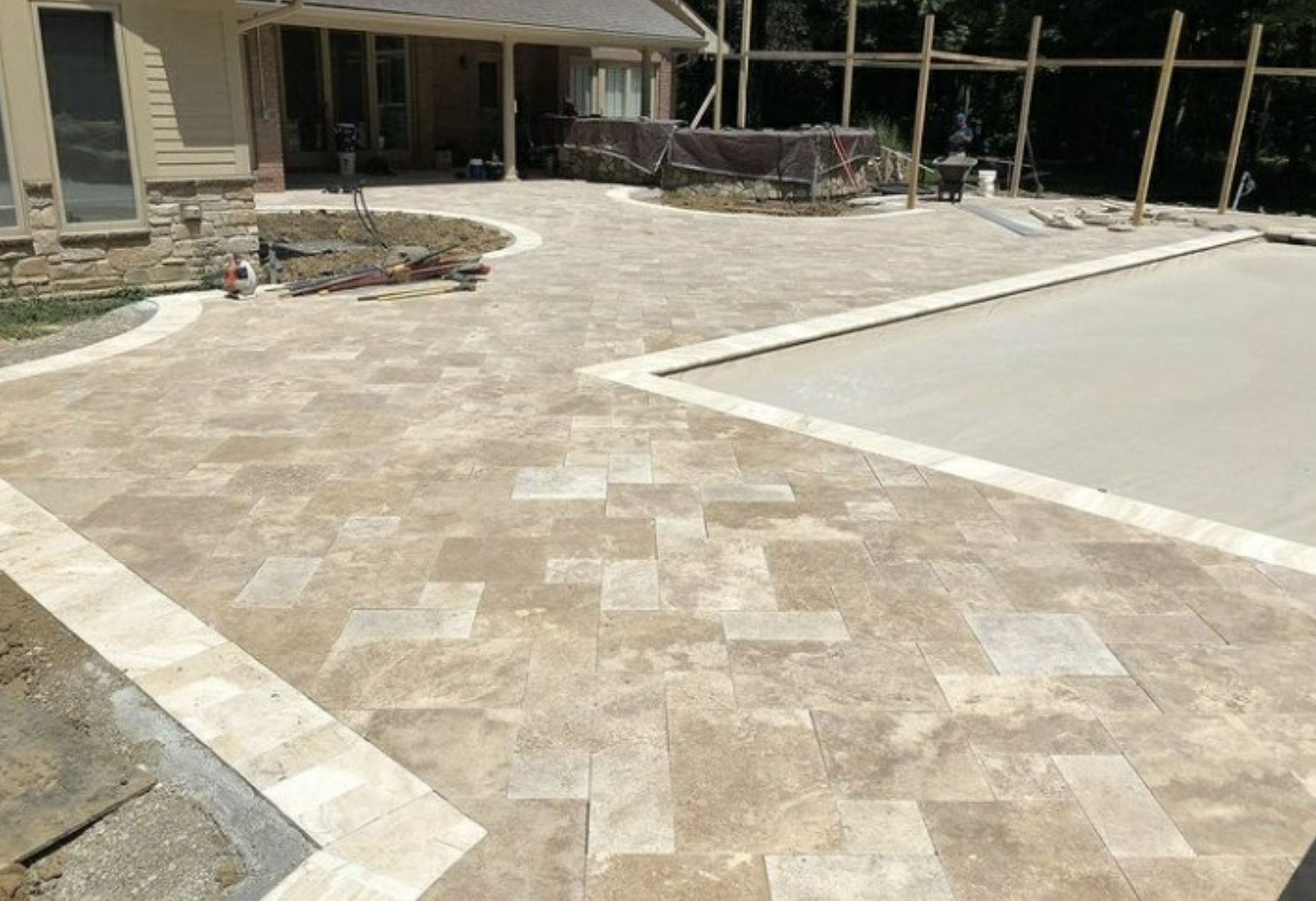 this image shows patios in Aliso Viejo, California